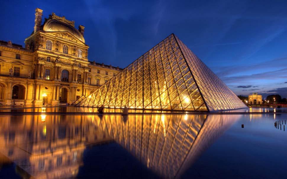 Điện Louvre