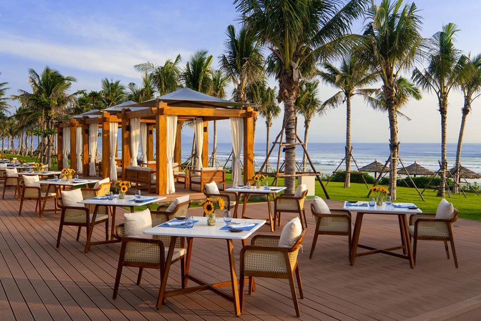 Resort bungalow được sử dụng vật liệu đa dạng
