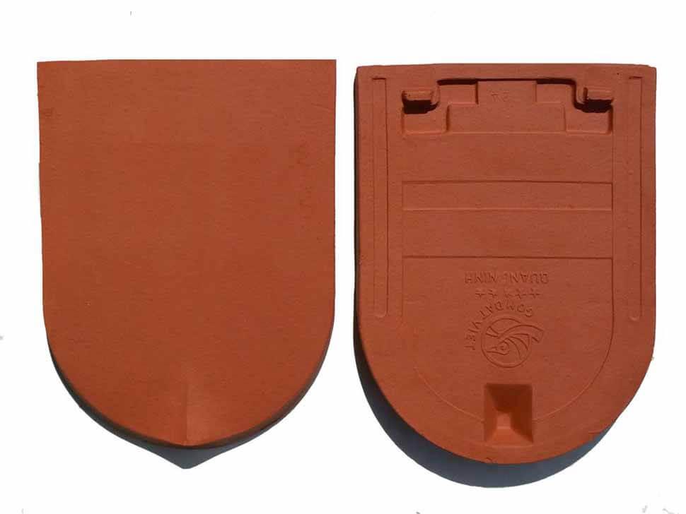 Loại ngói mũi hài 85v/m2 có trọng lượng khoảng 0,45kg/viên