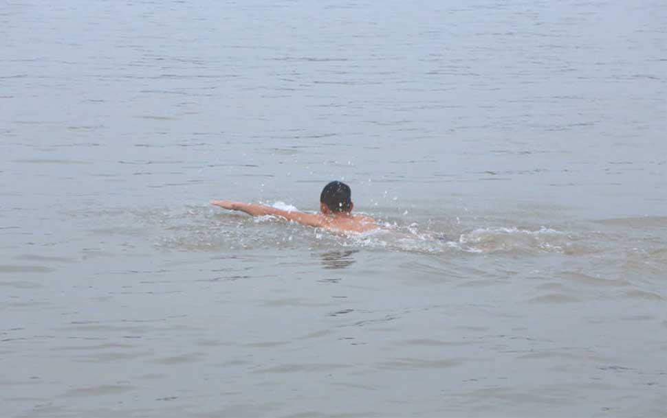Trong tháng cô hồn không nên bơi lội quá nhiều